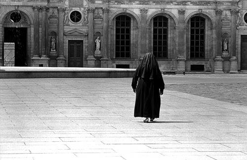 1Nun@Louvre-1.jpg
